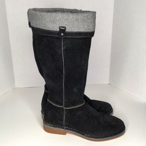 Hush puppies suede winter boots.